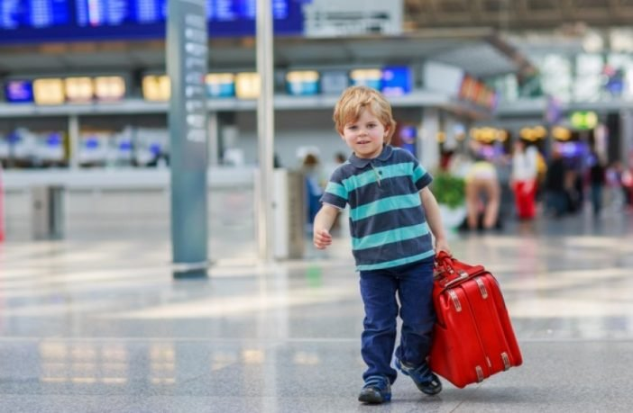 Картинки по запросу Мін'юст планує спростити батькам вивезення дітей за кордон