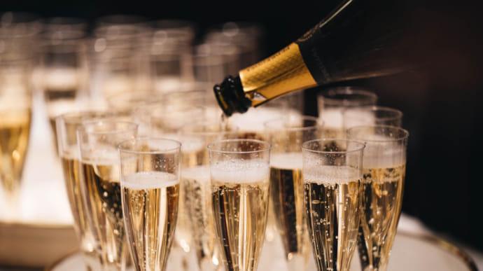 Французские производители шампанского возмущены новыми российскими  правилами   Украинская правда