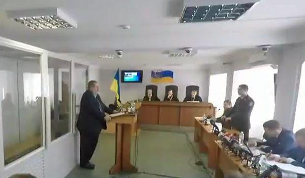 Чубарову впредыдущем году предлагали увидеться сСурковым— Суд над Януковичем