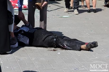 В Днепропетровске на трамвайной остановке произошел взрыв, есть жертвы (ФОТО)