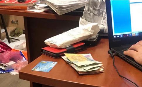"""Результат пошуку зображень за запитом """"Обшуки у департаменті Миколаївської міськради: на хабарі викрито керівницю управління"""""""