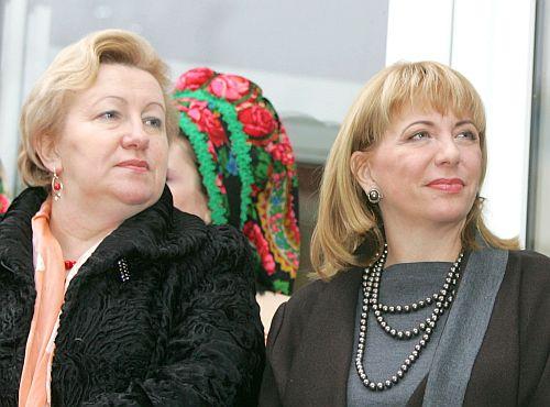 Віра і Катерина- найближчі жінки президента. Фото Михайла Марківа