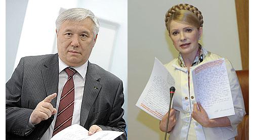 Тимошенко і Єхануров під час засідання Кабміну 20 травня. Фото Олександра Прокопенка