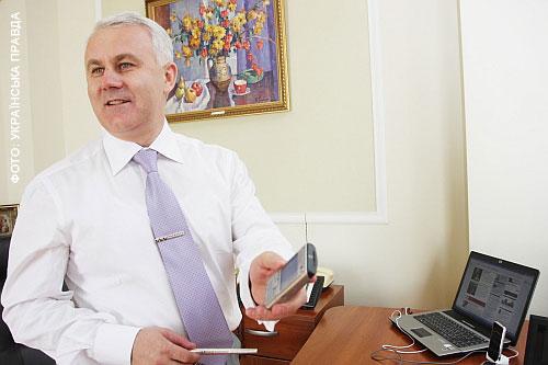 У кабінеті Ігоря Пукшина кількість гаджетів зашкалює